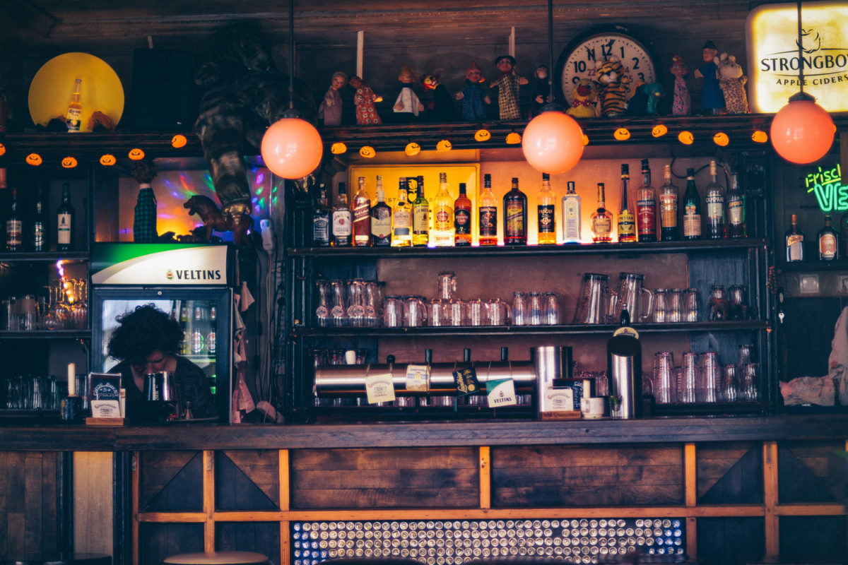 Kneipe, Bar